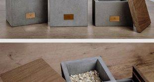 Ich liebe diese Aufbewahrungsboxen aus Beton und Holz. Das kleine Kupferelement ...