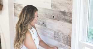 Decor Hacks : We believe in living in walls you love. Reclaimed wood planks with easy peel and...