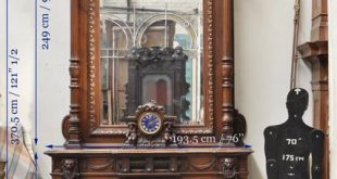 Extraordinary antique oak wood Napoleon III style fireplace with lion heads decoration - Wood